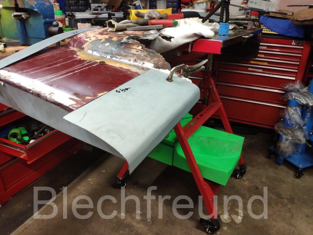 Seitenteil mit Rollstreckmaschine und Sickenmaschine hergestellt